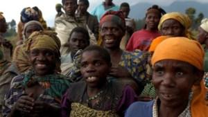 Meeste inheemse Congolese vrouwen bevallen in het bos