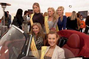 Finalisten Miss Limburg op bezoek bij Très Chic