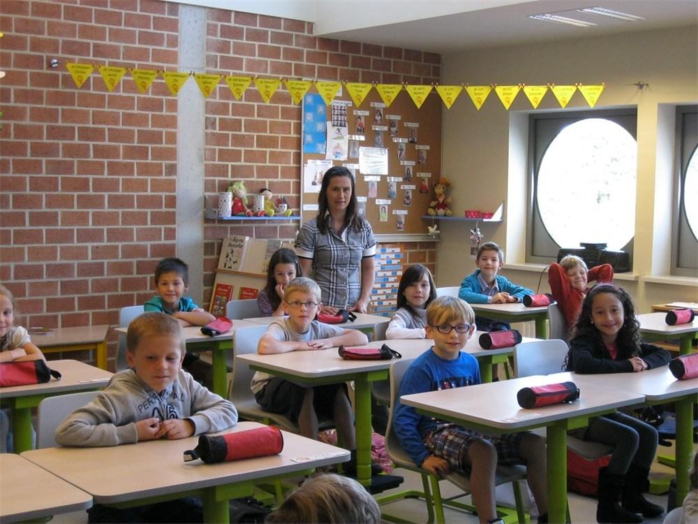 Het belang van limburg for Meubilair basisschool