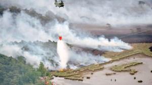 Politiehelikopter en hulpdiensten oefenen samen bestrijding van natuurbrand