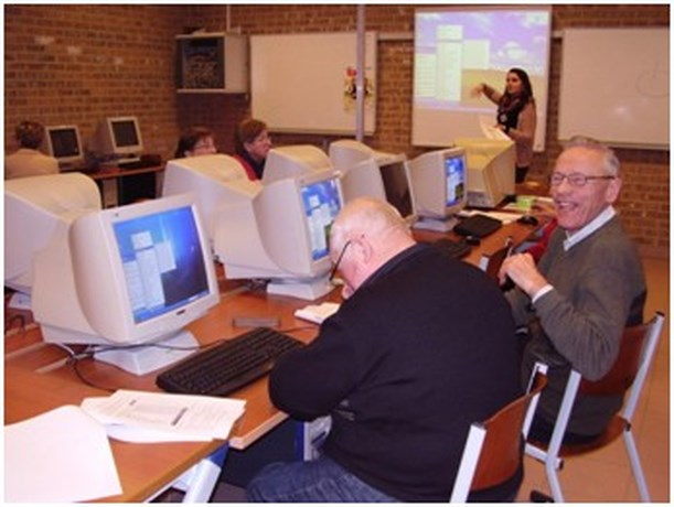Mini-onderneming Anciàn Events van Agnetendal organiseert computerlessen
