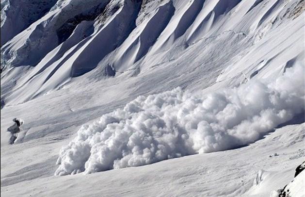 OPROEP: Duizenden skiërs vast door lawine in Zillertal