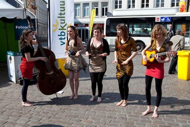KnipoogDag in Hasselt luidt cultureel seizoen in