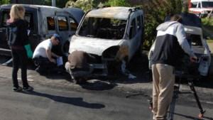 Vijf wagens uitgebrand in Puurs