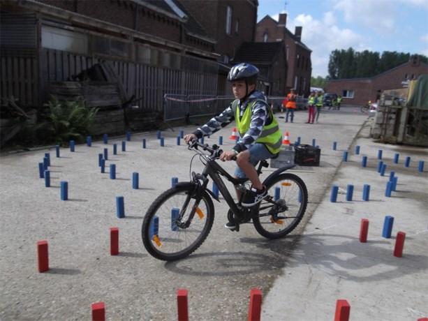 Trootrakkers legt fietsexamen af
