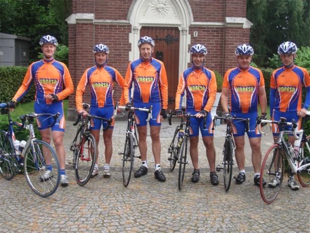 Zes Noord-Limburgers ondernemen 17-daagse fietstocht naar Santiago de Compostella
