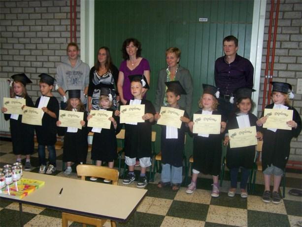 Diploma-uitreiking kleuters 't Nederwijsje