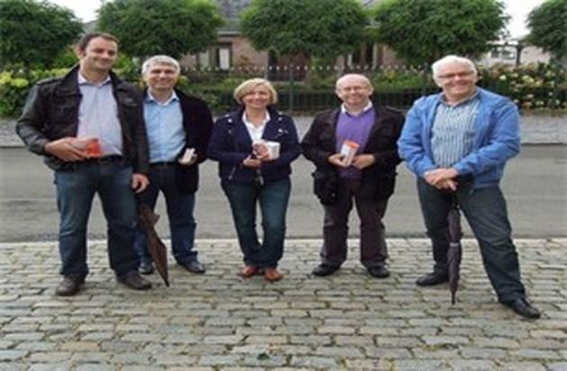Ivo Belet met CD&V-kandidaten Kermt op huisbezoek