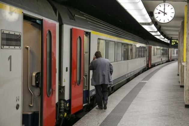 Twee op de drie Vlaamse treinbegeleiders en -bestuurders toch op het werk