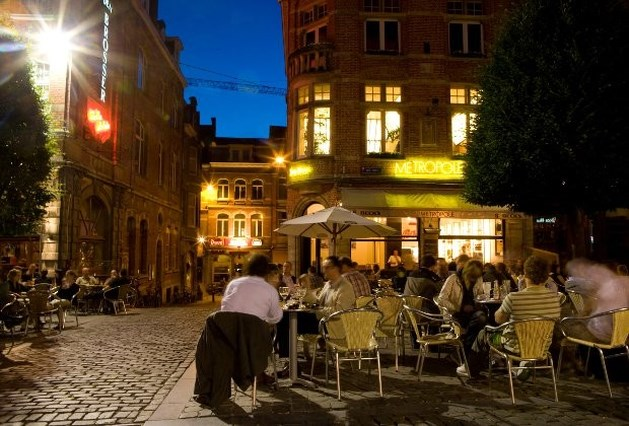 Politie pakt herrieschoppers op op Leuvense Oude Markt