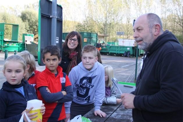 Op bezoek in het containerpark