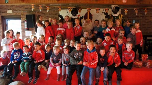 Sinterklaas op bezoek bij FC Kabouters