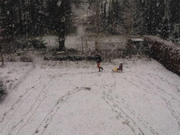 Het sneeuwt in Genk (stuur zelf uw sneeuwfoto's in!)