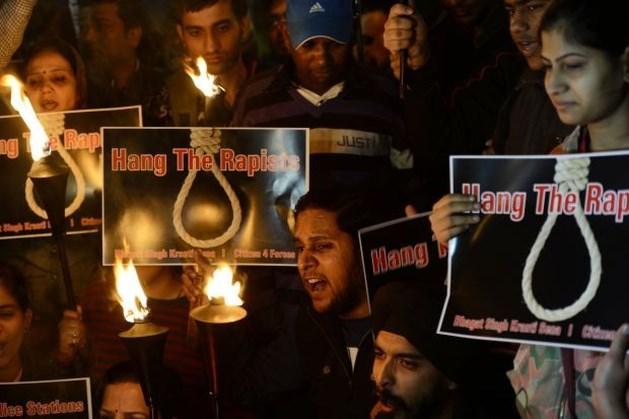 Indiaas slachtoffer groepsverkrachting overleden