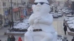 'Gangnam Style' scoort zelfs als ijssculptuur