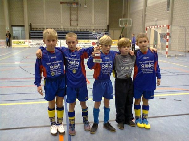 U9 voetballertjes behalen tweede plaats in de finale