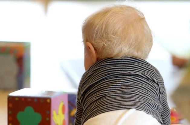 Baby van agressieve moeder loopt schedelbreuk op