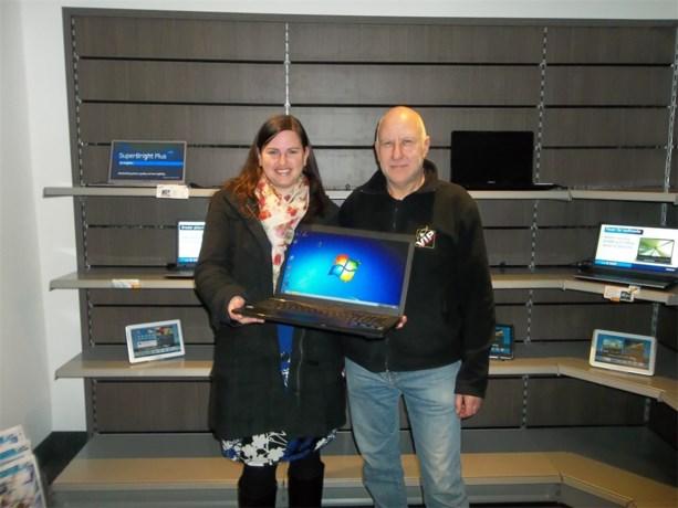 Iris Meekers wint laptop