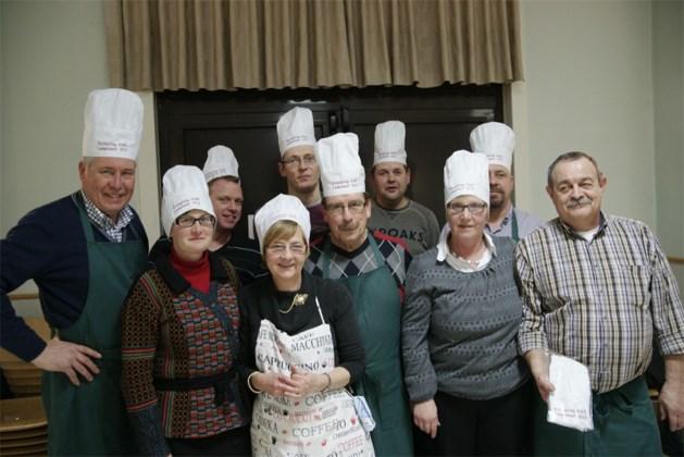KWB Elen kookt zelf voor ledensouper
