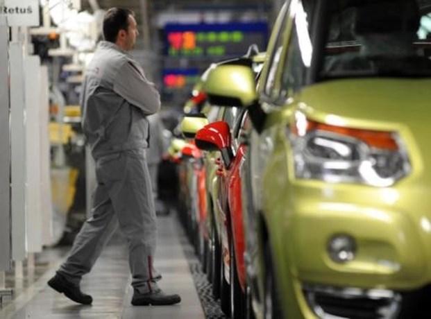 Rechter schort reorganisatie Peugeot-Citroën op