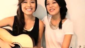 Tweeling maakt akoestische Gangnam Style (video)