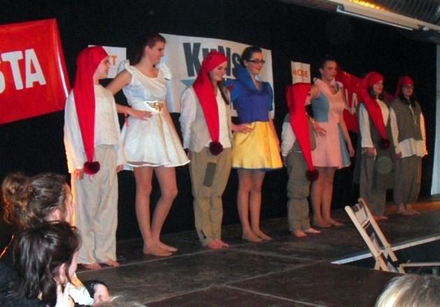 Leerlingen nemen deel aan 'Kunstbende 2013'