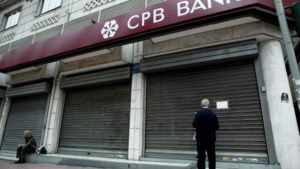 Trojka laat CEO Bank of Cyprus ontslaan