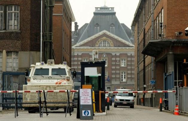 Terreuralarm rond Brussels justitiepaleis blijft gelden