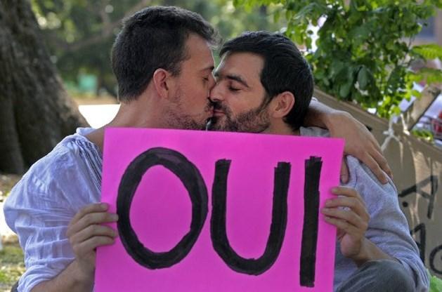 Franse Senaat keurt eerste artikel homohuwelijk goed
