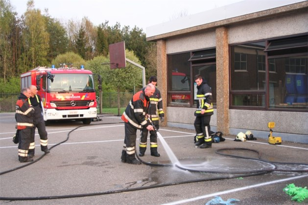Vandalen stichten brand in basisschool van Helchteren