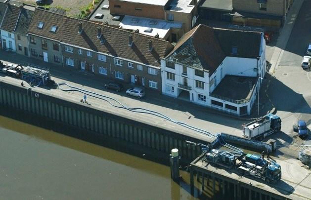 Vervuild bluswater wordt geloosd in Schelde