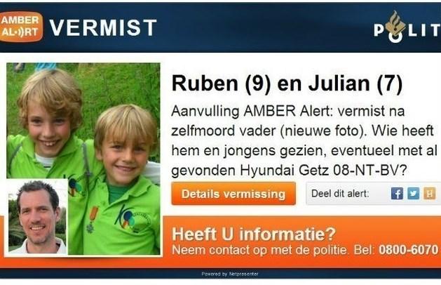 Auto vader vermiste broertjes gezien in Rhenen bij Utrecht