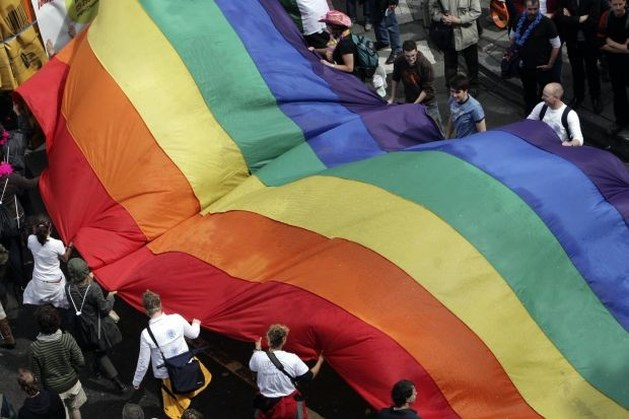Russen verminken en vermoorden homoseksueel (23)