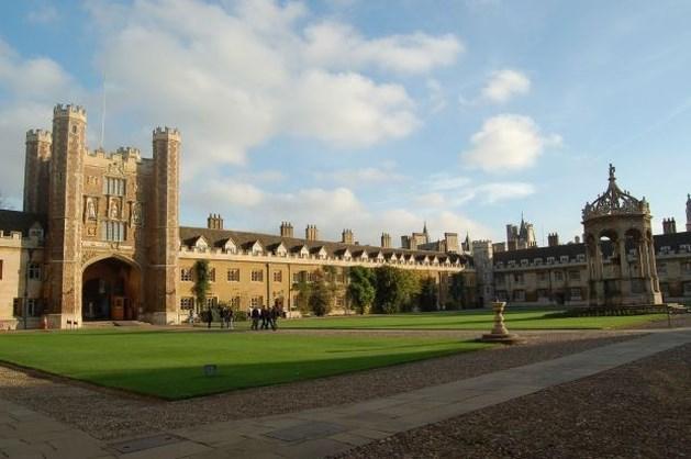 Britten eisen via privédetectives 60 miljoen terug van buitenlandse studenten