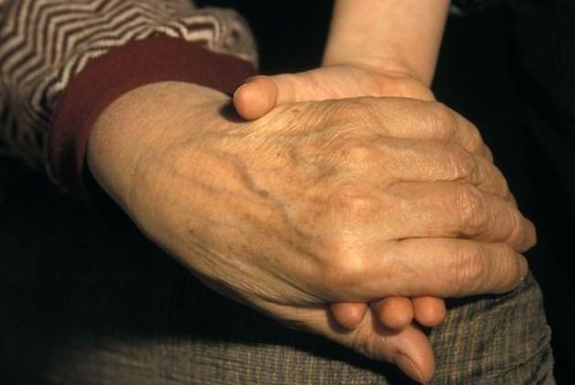 """Grootouders moeten kind afstaan wegens """"te oud en te familiaal"""""""