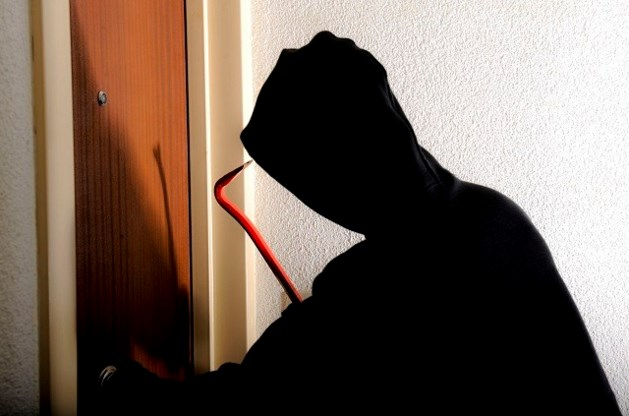 Vrouwelijke inbrekers tot 12 en 15 maanden cel veroordeeld