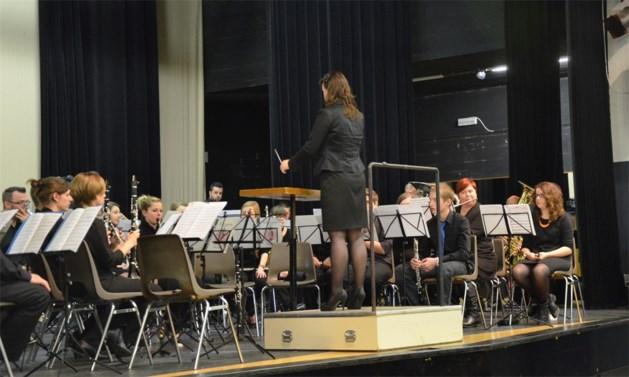 Katrien Simons slaagt met vlag en wimpel voor dirigentenexamen