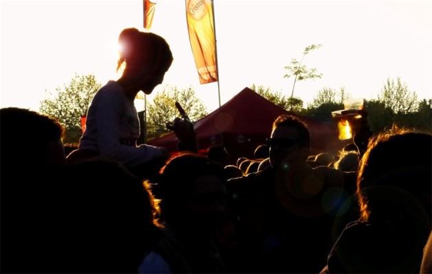 3.500 festivalgangers genieten van onverwacht zonnig Neerpelt Open Air (fotoalbum)