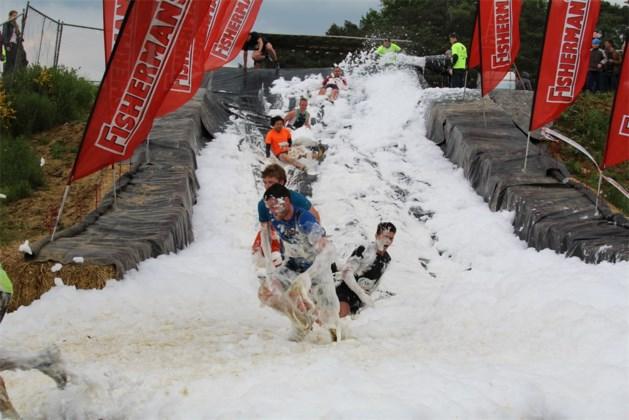Een koude derde Belgische editie van de Fisherman's Friend Strongmanrun