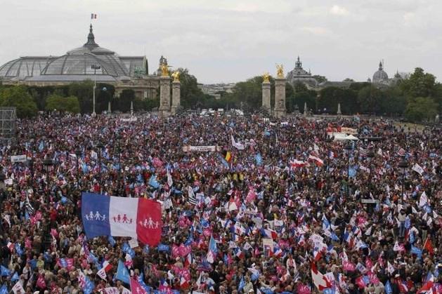 150.000 anti-homohuwelijkdemonstranten trekken door Parijs
