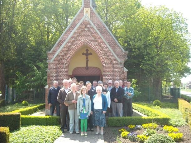 Buurtbewoners 't Laar bidden aan kapelletje