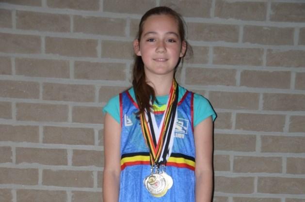 Belgische kampioen Jana kayakt de medailles bijeen