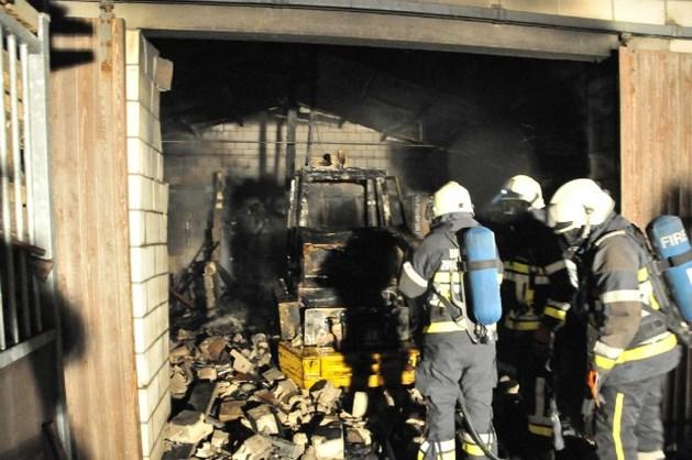 1700 biggetjes sterven bij brand in Maldegem