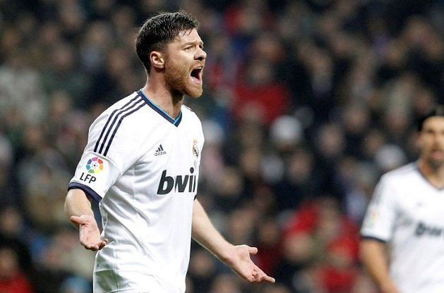 Xabi Alonso (Real Madrid) vier maanden out