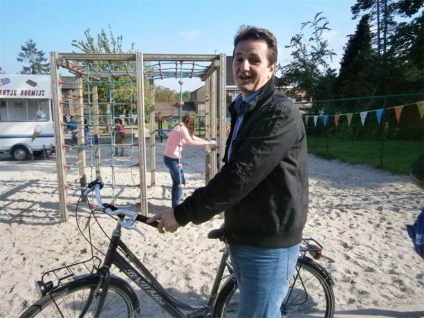 Wie won de fiets in 'De Lettertuin''?