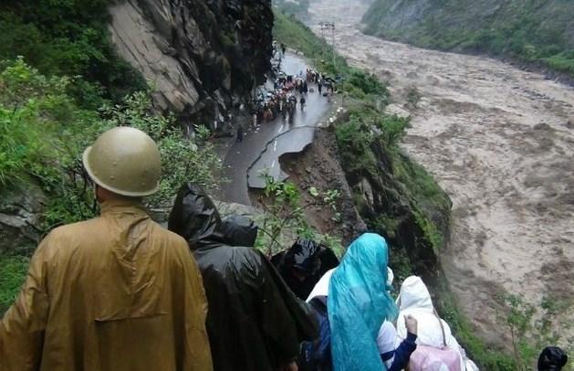 Al meer dan 200 doden door onweders in India en Nepal