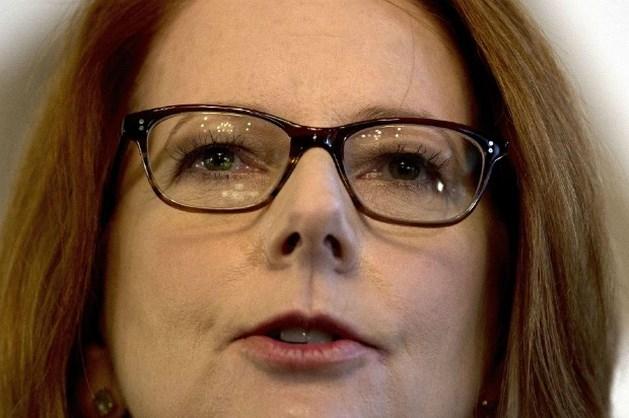 Vrouwen tonen hun borsten voor Australische premier