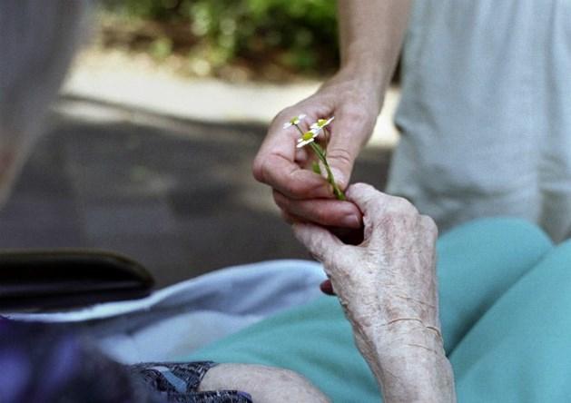 Nood aan sterkere palliatieve zorg in thuismilieu