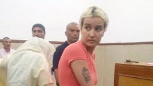 Femen-activiste in Tunesië vrijgesproken van smaad, blijft in cel