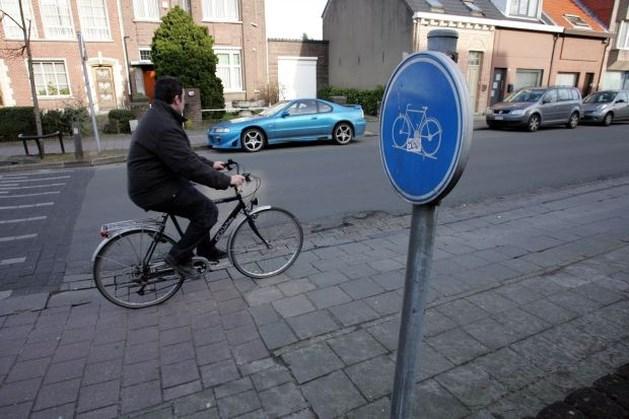 """""""Laat automobilisten 30 km/u rijden als er geen fietspad is"""""""